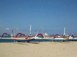 walk along sanur beach
